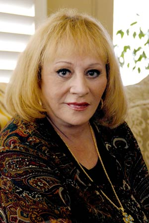 Well known Psychic, Sylvia Browne. Is Sylvia Browne a con-artist? A fraud? Or is Sylvia Browne a real, true Psychic?