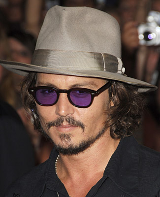 Image of Johnny Depp with hat and sunglasses, similar to the image in the vision I had about his death by suicide.